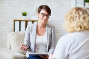 Psychiatres, psychologues, psychothérapeutes, psychanalystes : quelles différences ? - Corps et Santé