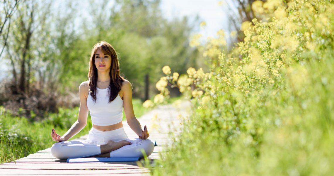 Postures de yoga pour ouvrir les hanches - Corps et Santé